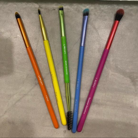 Lavish Set of 5 Eye Makeup Brushes - Brand New
